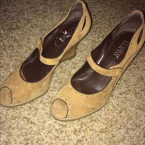Frank Sarto tan suede high heels. Size 8.5M